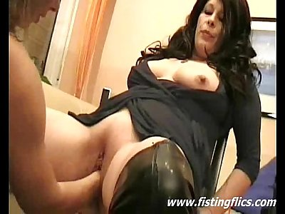 Double fisting mature sluts pussy