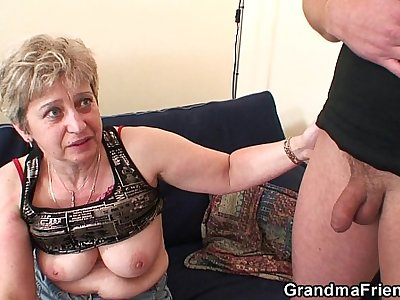 Old threesome orgy after pussy masturbating