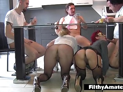 Super squirt and super fistng for nymphomanic in orgy