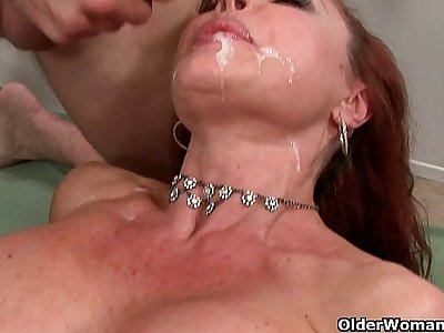 Cum craving milfs taking facials