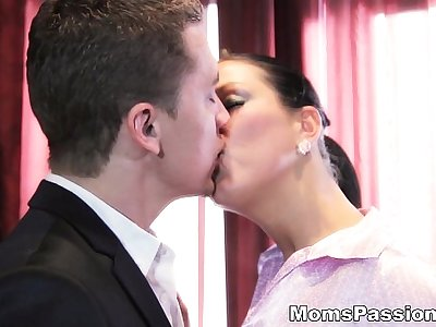 Moms Passions - He knows what a woman Zlata wants teen porn